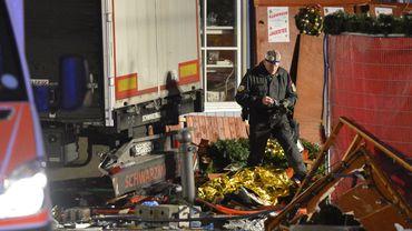 Un camion fonce dans un marché de Noël à Berlin: au moins neuf morts, un suspect arrêté (vidéos)
