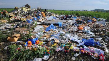 Crash en Ukraine: l'enquête se poursuit malgré un accès aux preuves difficile
