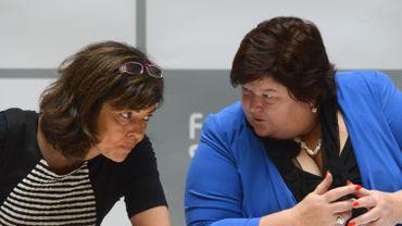 Les réfugiés syriens au coeur d'un débat belgo-belge (Joëlle Milquet en discussion avec Maggie De Block)