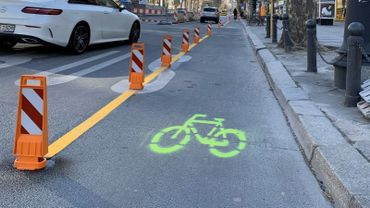 A Paris, à Bogota, ou comme ici à Berlin, l'épidémie a provoqué une changement dans le partage de l'espace routier, en faveur des cyclistes