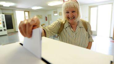 Ce dimanche, vous recevrez deux bulletins de vote : un blanc pour les élections communales, et un vert pour les provinciales.
