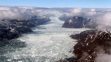 Un fjord glacé du Groenland, photographié le 12 mai 2017 pendant l'opération IceBridge dans l'Arctique