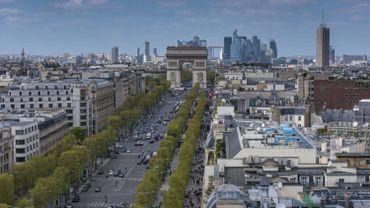 France: un enfant meurt écrasé par un engin de chantier sur les Champs-Élysées