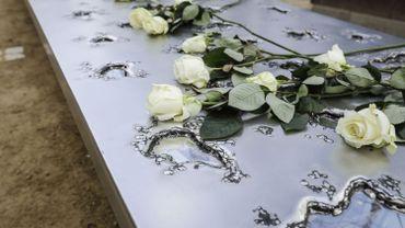 Monument en hommage aux victimes d'attentats terroristes inauguré à Bruxelles.