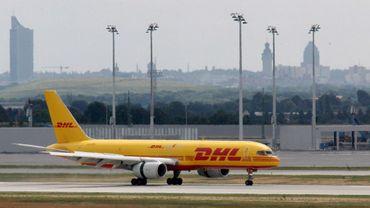 Bricolage illégal dans le ciel pour l'entreprise DHL