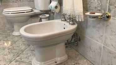 Pourquoi la disparition du bidet est un drame cologique - A quoi sert un bidet dans une salle de bain ...
