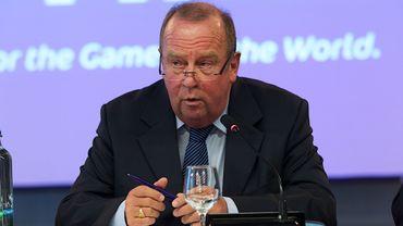 """D'Hooghe: """"Aider à développer la médecine du football"""""""