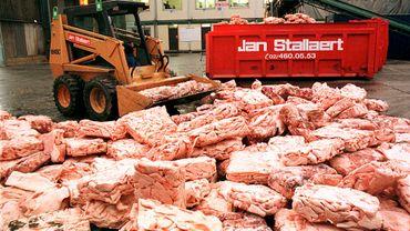 Plus de 100 000 tonnes de volailles ont été détruites à l'époque
