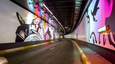 Le tunnel a été décoré de manière artistique