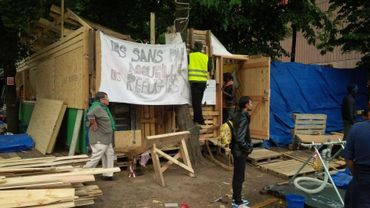 Parc Maximilien, le village pour réfugiés s'organise tant bien que mal