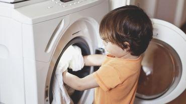 En France, les machines à laver devront être équipées de filtres à microplastiques d'ici 2025.