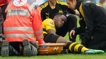 Michy Batshuayi blessé lors du derby de la Rhur