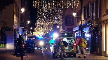 Deux morts et onze blessés dans le centre de Strasbourg, l'assaillant toujours recherché