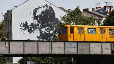 Le métro de Berlin dans le quartier de Kreuzberg, en juillet 2010