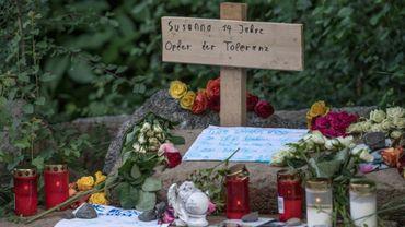 """Un mémorial avec inscription """"Susanna, 14 ans, victime de la tolérence"""" à Wiesbaden, en Allemagne sur le site où une fillette juive aurait été violée et tué par un Irakien qui s'est enfui en Irak, le 8 juin 2018"""