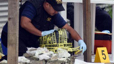 Guatemala: saisie de 380 kilos de cocaïne qui flottaient dans les eaux d'un port