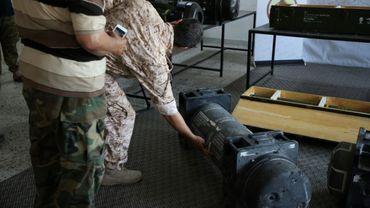 Photo prise le 29 juin 2019 d'un missile Javelin trouvé à Gharyan, dans l'ouest de la Libye