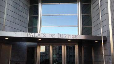 La justice liégeoise a reconnu les travailleurs de l'entreprise papetière malmédienne GC Paper, mise en faillite en avril 2009, comme victimes des agissements des repreneurs (photo: Palais de Justice de Liège)
