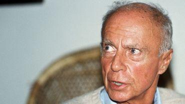 L'écriture de Claude Simon, mort en 2005, est réputée difficile, y compris par ses admirateurs, et, malgré son Nobel, il demeure encore un écrivain plutôt méconnu.