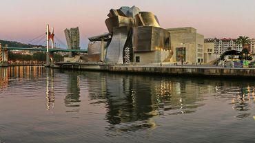 """""""Dessins d'architecture"""", un ouvrage de référence depuis l'Antiquité à nos jours// Musée Guggenheim à Bilbao"""