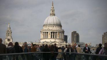 Le Millenium Bridge et la cathédrale St Paul, le 27 octobre 2016.