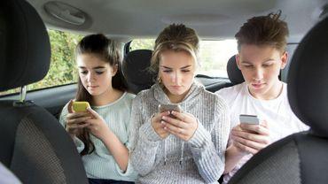1 jeune sur 3 utilise trop son téléphone portable