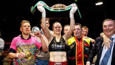 Sacrée pour la 9e fois, Delfine Persoon conserve son titre mondial WBC des légers