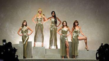 Les supermodels ont fait une apparition spectaculaire au défilé de la maison Versace en septembre 2017.