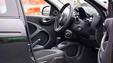 Parmi les nouveautés proposées au salon, de nombreuses marques misent sur l'hyper connectivité des voitures pour fournir un maximum de services à l'intérieur de la voiture.