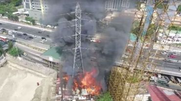 Les images d'un drone, au feu de l'action.