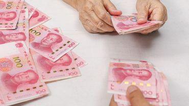 es banques font usage de rayons ultraviolets ou de hautes températures pour désinfecter les billets.