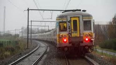 Trains: perturbations entre Visé et Bressoux après la chute d'un pylône électrique