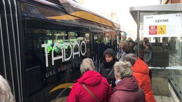 Une délégation carolo en visite à Lens pour découvrir le bus à haut niveau de service