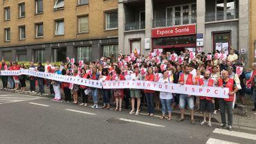 Quelque 150 travailleurs devant l'ISPPC ce vendredi matin