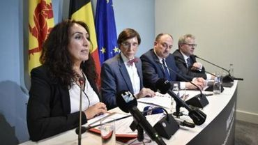 Christie Morreale (PS), Elio Di Rupo (PS), Willy Borsus (MR) et Philippe Henry (Ecolo)
