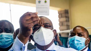 Coronavirus : le Zimbabwe a commencé à injecter le vaccin chinois