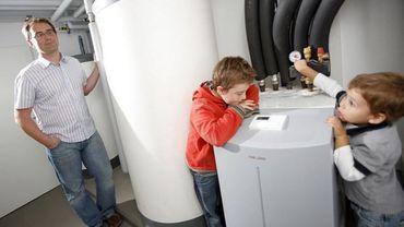 """Pompe à chaleur/facture électricité: """"Jusqu'à 1000 euros de plus par an"""""""