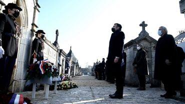 Emmanuel Macron au cimetière de Jarnac (Charente), où repose François Mitterrand, le 8 janvier 2021