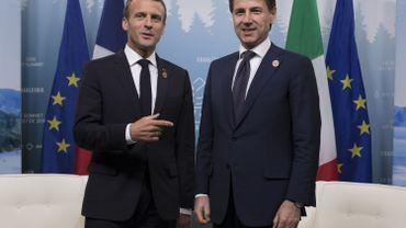 """les deux hommes """"ont évoqué la situation du navire Aquarius et ont pu échanger sur leurs positions"""", ils ont estimé que """"l'Italie et la France (devaient) approfondir leur coopération bilatérale et européenne pour mener une politique migratoire efficace avec les pays d'origine et de transit""""."""