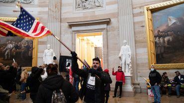 Insurrection à Washington: Proud boys, QAnon, Américains en colère… Qui sont les manifestants qui ont forcé les portes du capitole américain?