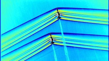 """Photo diffusée par la NASA le 5 mars 2019 montrant deux appareils t-38 volant en formation à une vitesse supersonique en produisant des ondes de choc, ce qui se traduit par un """"bang"""" caractéristique"""