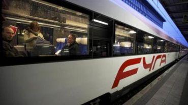 Premiers trajets pour le train à grande vitesse Fyra entre Bruxelles et Amsterdam