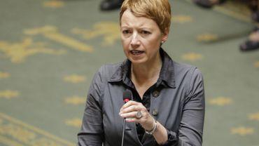 """Catherine Fonck(cdH): """"La situation est impossible, le PS court après le PTB"""""""