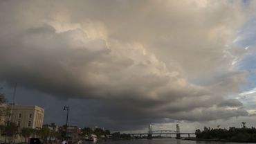 USA: l'ouragan Florence rétrogradé en catégorie 2, mais toujours considéré comme dangereux