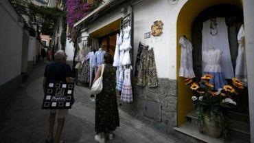 Sud de l'Italie: pas de masque en lieu clos, c'est 1.000 euros d'amende