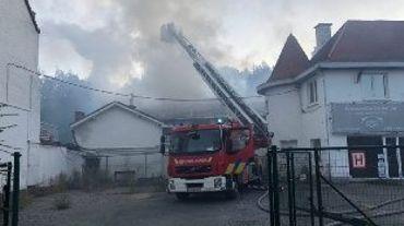 Uccle : important incendie ce matin, la chaussée de Waterloo reste fermée