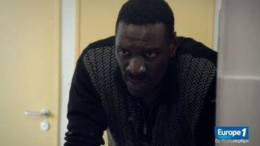 """Dans """"Samba"""", Omar Sy incarne un Sénégalais sans-papiers en France depuis 10 ans"""