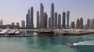 La police de Dubaï a arrêté un homme d'origine asiatique