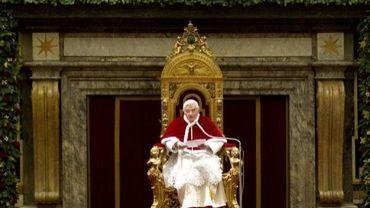 Le pape Benoît XVI lors d'une audience publique au Vatican, le 22 décembre 2011