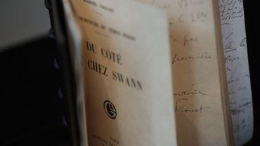 """L'édition originale de """"Du côté de chez Swann"""" de Marcel Proust est partie vendredi pour 1,51 million d'euros, un record mondial pour une oeuvre originale en français."""
